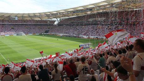 /?proxy=REDAKTION/News/2011-2012/Fans_weiss-rot_01VfB-Schalke2_464x261.JPG