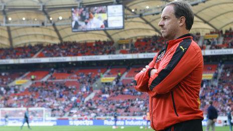 /?proxy=REDAKTION/News/2015-2016/Zorniger-vor-Hannover-VfB-464x261.jpg