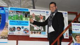 /?proxy=REDAKTION/Verein/VfBfairplay/VfBfairplay_Stars4Kids_Schaefer-zeigt-Plakate-255x143.JPG