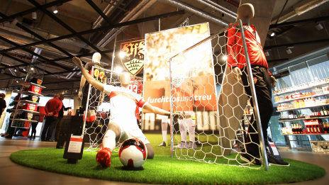 /?proxy=REDAKTION/Fans/Fans_News/20151011-Auszeichnung-VfB-Fan-Center-464x261.jpg
