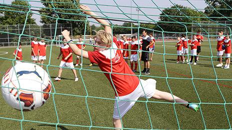 /?proxy=REDAKTION/Verein/Fussballschule/News/kicken-lesen-2015-camp-464x261.jpg