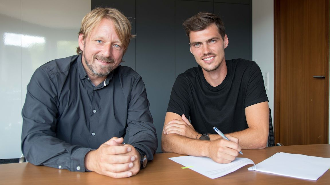 VfB seal permanent signing of Pascal Stenzel