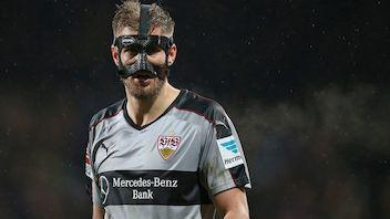 Lief nach seiner Nasen-OP mit Maske auf: Simon Terodde
