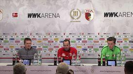 Der FC Augsburg vor dem Spiel in der Mercedes-Benz Arena